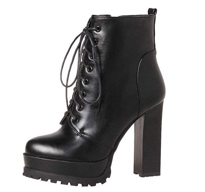 Stivali con tacco alto e plateau: MissSaSa 24€