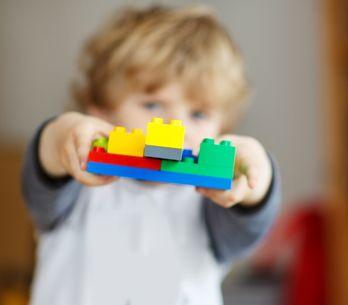 5 petits jeux rigolos pour apprendre les couleurs