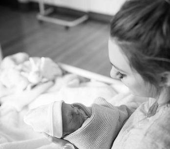 A 32 semaines de grossesse, elle perd son bébé et encourage les femmes à écoute