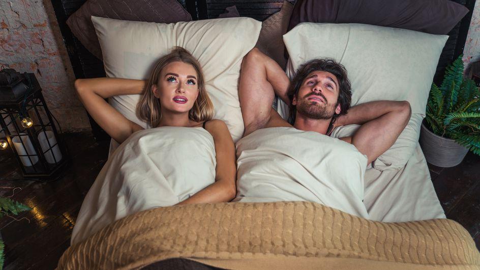Dormir à droite du lit rend bougon