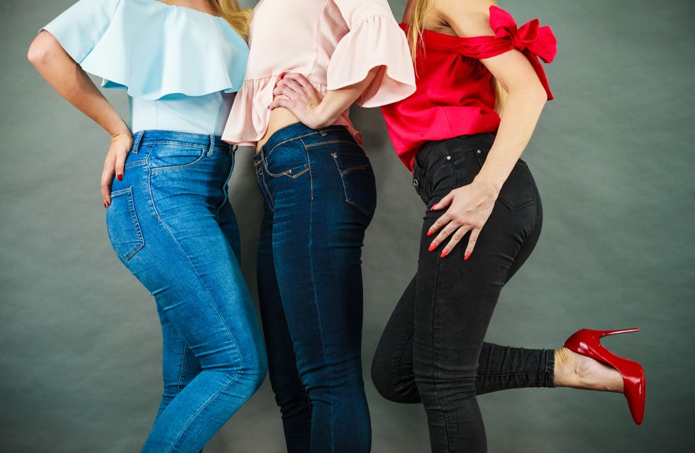 Se hai il sedere piatto, questi sono i jeans perfetti per te