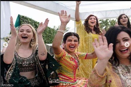 Priyanka Chopra et Nick Jonas officiellement mariés, ils confirment