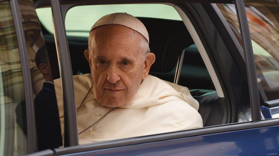 """Le pape François redoute une """"mode de l'homosexualité"""" au sein de l'Eglise et fait polémique"""