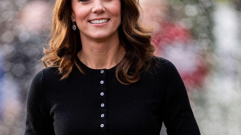 Avec cette jupe rouge en tartan, Kate Middleton est déjà prête pour Noël !