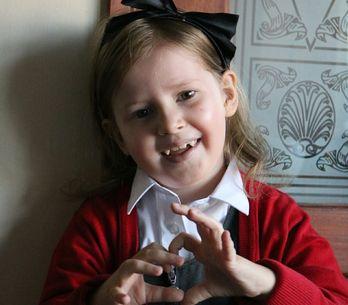Le témoignage poignant de la maman de Zoé, 7 ans et demi, qui se bat contre un c
