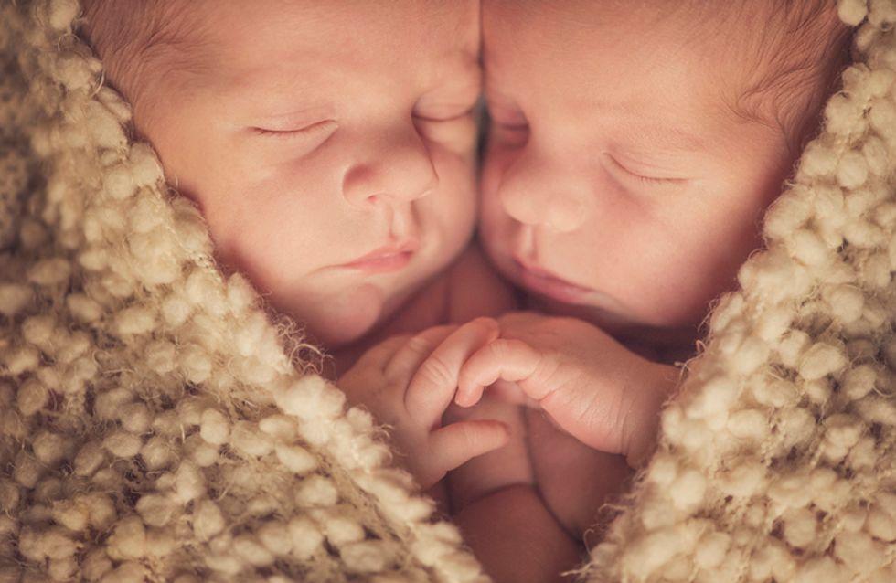 Nées siamoises, elles quittent l'hôpital après 7 opérations ! Leurs parents éclatent de joie