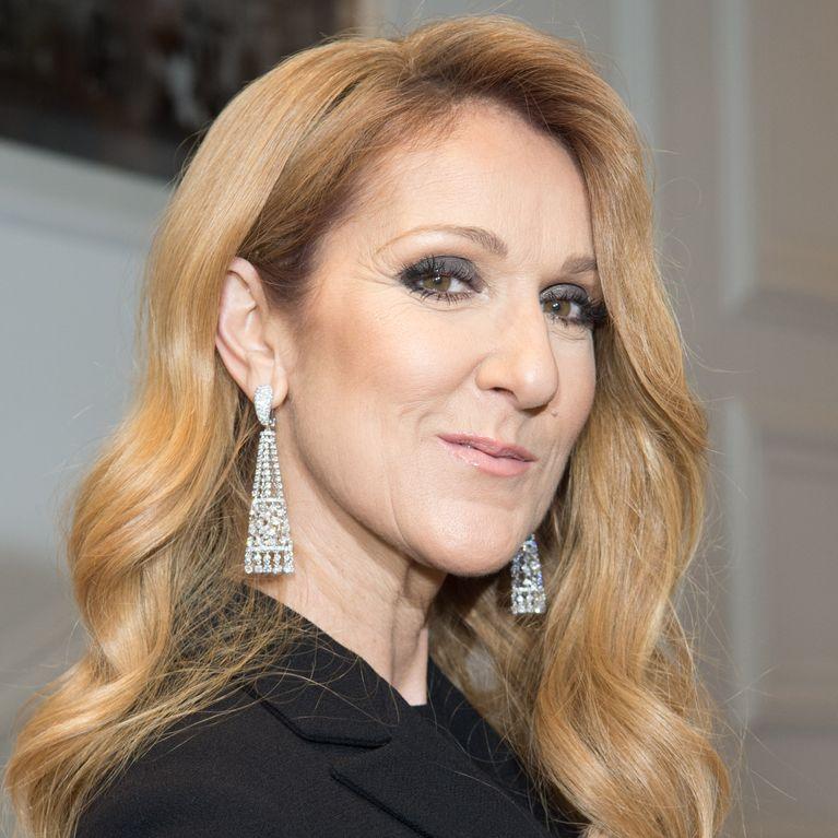 PlumesLe De Fou En Et À Look Céline Dion Cuir Robe Bottes IYyvbf67g