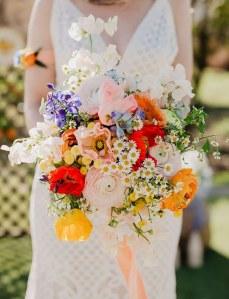 Bouquet da sposa di fiori di campo