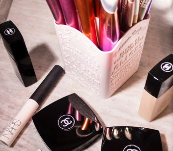 ¿Necesitas orden en tus productos de cosmética? Consíguelo con estos 6 organizad