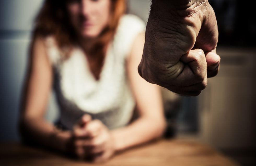Un joueur en ligne arrêté après avoir battu sa femme en direct