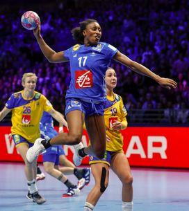 Qui est la capitaine de l'équipe de France de Handball Siraba Dembélé-Pavlovic ?