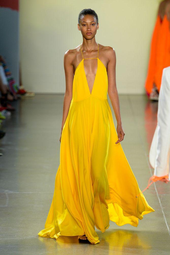 Sonnenblumengelb gehört zu den wichtigsten Fashion-Farben für 2019