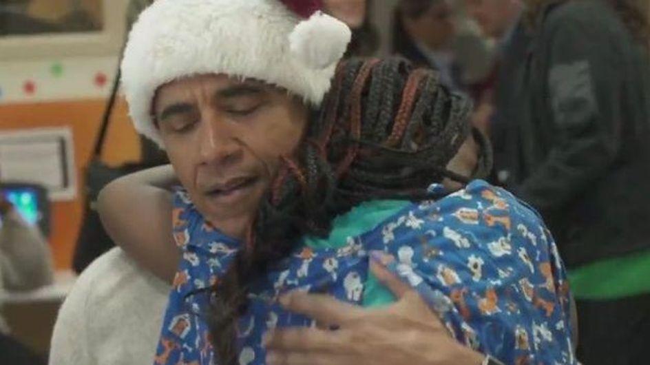 Barack Obama joue au Père Noël pour les enfants malades (vidéo)