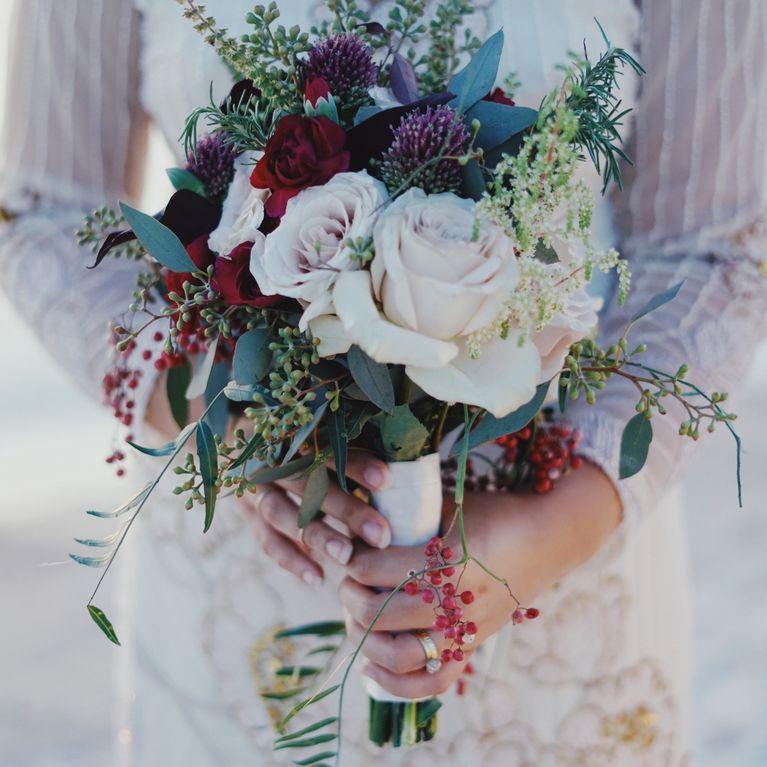 Bouquet da sposa  8 tendenze super cool da sfoggiare al matrimonio! b7ae23b23db