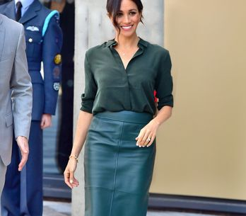 La falda de piel es la tendencia de la temporada: ¿cómo combinarla?