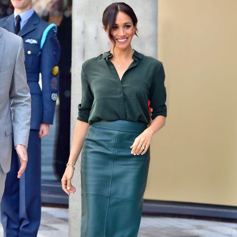 23bb7fe93 La falda de piel es la tendencia de la temporada: ¿cómo combinarla?