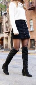 Look para lucir una falda de ante en invierno