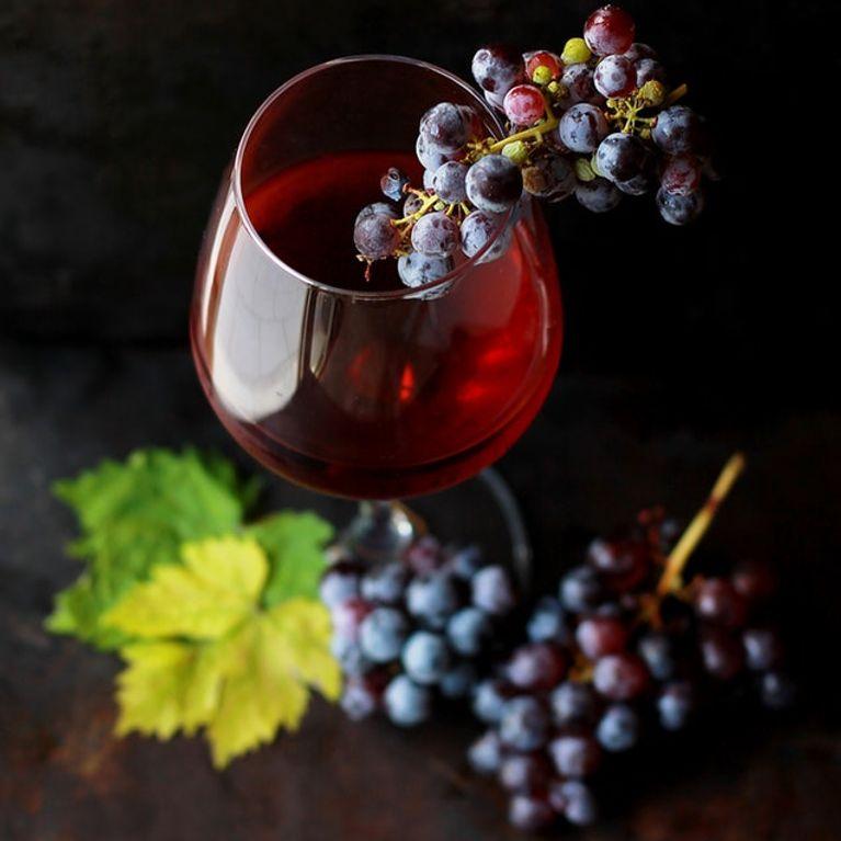 caves vin comment bien choisir une cave vin. Black Bedroom Furniture Sets. Home Design Ideas