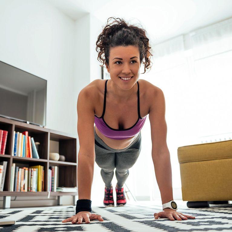 1e34b351b1 Nur 10 Minuten pro Tag: Genialer Trainingsplan für Zuhause