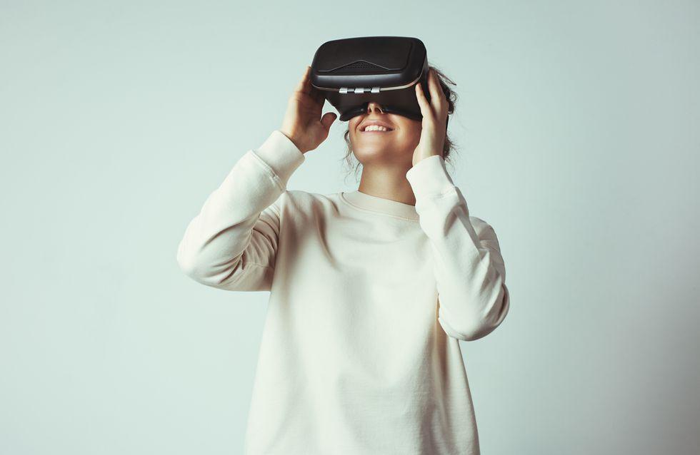 Grâce à la réalité virtuelle, une maman peut suivre son bébé après une césarienne