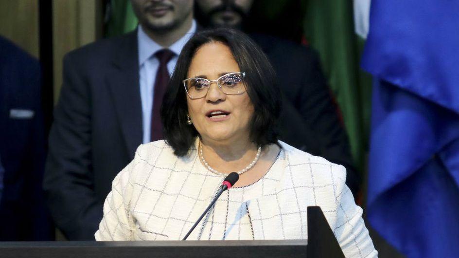 Les garçons en bleu, les filles en rose : la phrase polémique d'une ministre brésilienne