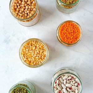 Hülsenfrüchte wie Linsen liefern pflanzliche Proteine, perfekt für die Low Carb Ernährung.