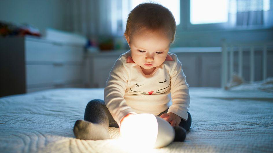 Nie wieder Angst im Dunkeln: Die besten Nachtlichter für Kinder im Vergleich