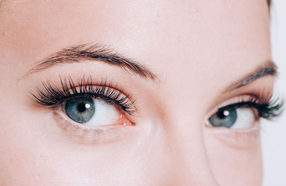 Top 5: Das sind die beliebtesten Wimpernseren im Netz!
