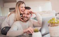 Les couples qui parlent au nous sont plus heureux