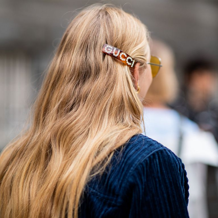 c5990e1428bbc Los accesorios más top para completar tu peinado esta temporada
