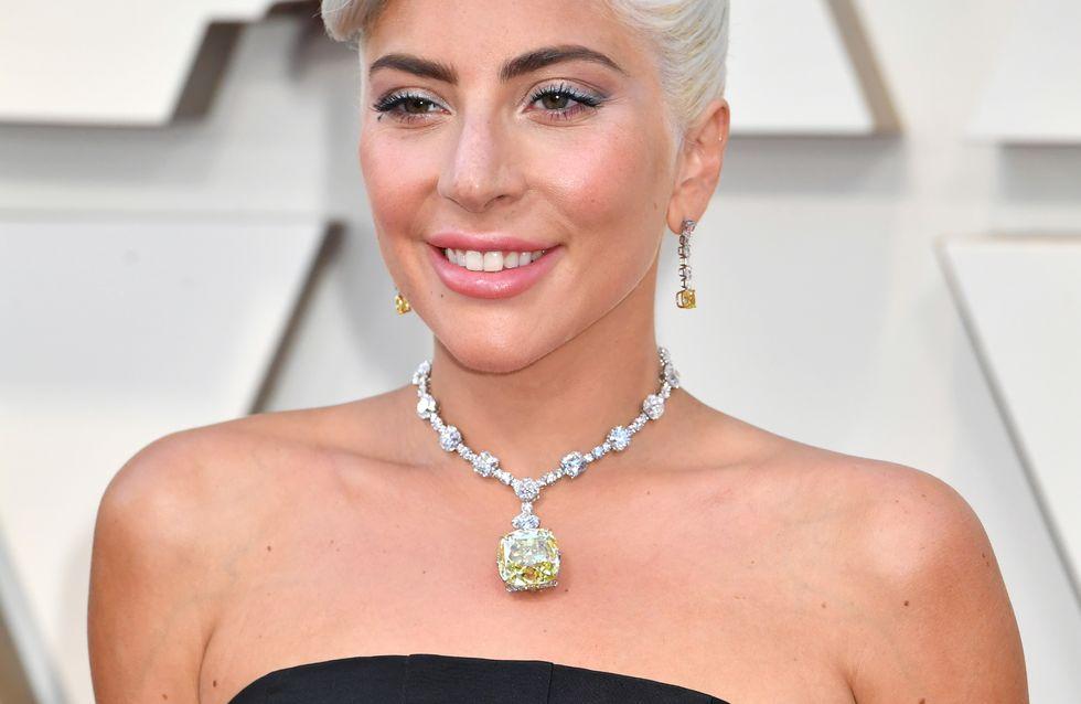 Aux Oscars, Lady Gaga s'inspire pleinement d'Audrey Hepburn (Photos)