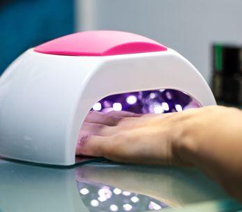 Los accesorios imprescindibles para hacerte la manicura de gel en casa