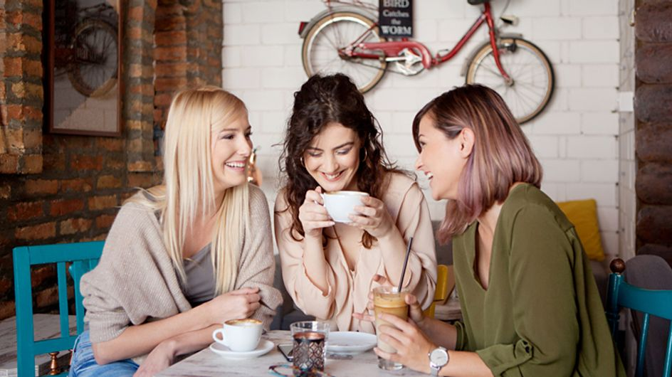 Pour être en bonne santé, les mamans devraient sortir 2 fois par semaine avec leurs amis (c'est la science qui le dit)
