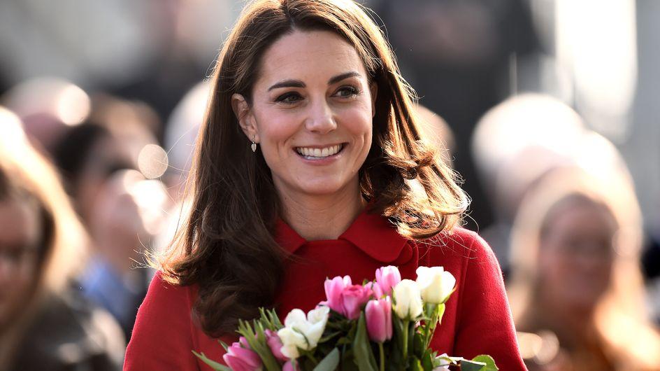 En Irlande, Kate Middleton fait sensation dans une robe à paillettes