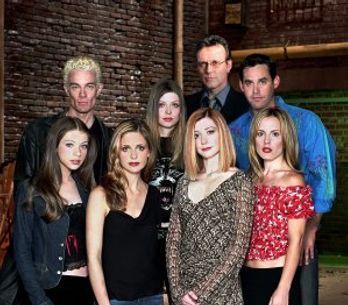 Le casting de Buffy contre les vampires se retrouve et nous file un sacré coup d