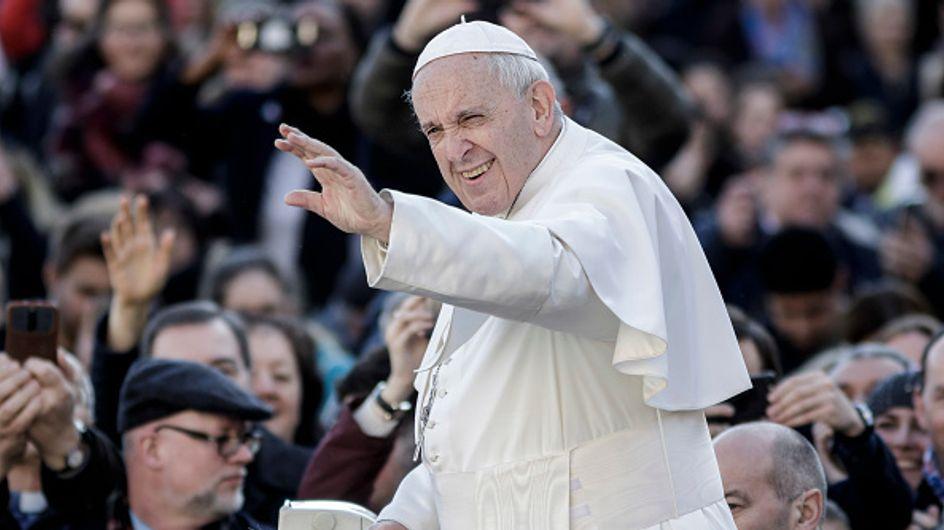 """D'après le pape François, le féminisme est comme """"un machisme avec une jupe"""""""