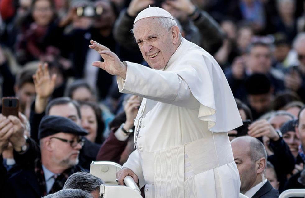 D'après le pape François, le féminisme est comme un machisme avec une jupe