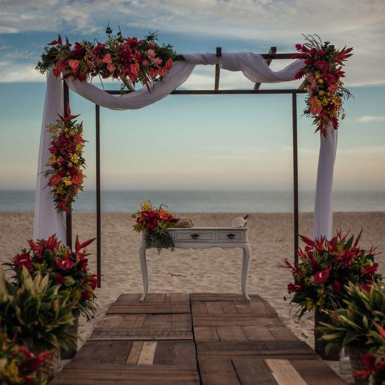 Matrimonio Sulla Spiaggia Economico : Matrimonio in spiaggia consigli per una festa indimenticabile
