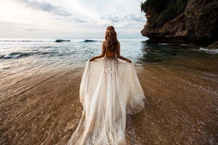 Matrimonio in spiaggia: l'abito perfetto