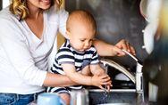 Hände frei für Mama: So klappt der Haushalt trotz Nachwuchs