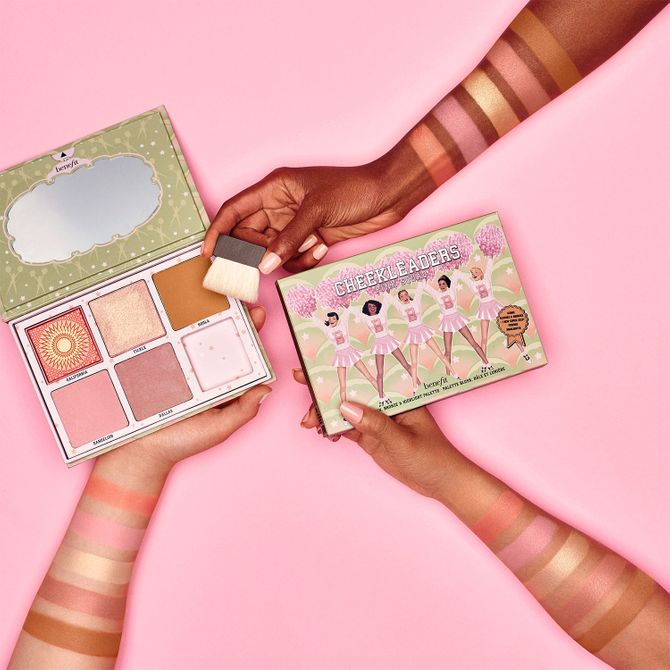 Palette (blushs, bronzers, highlighters) Cheekleaders Pink Squad, Benefit