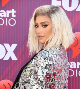 Shay Mitchell rayonnante et glamour en robe à paillettes aux iHeartRadio Music A