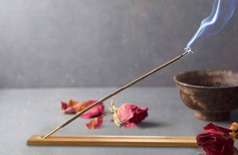 Come profumare e purificare la tua casa con gli incensi