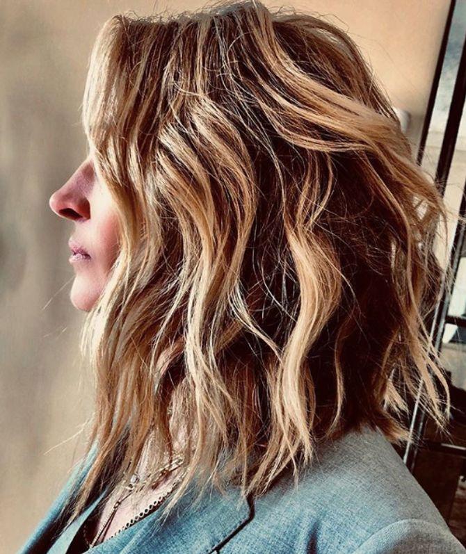 Julia Roberts coupe ses cheveux, et adopte le carré court (Photos)