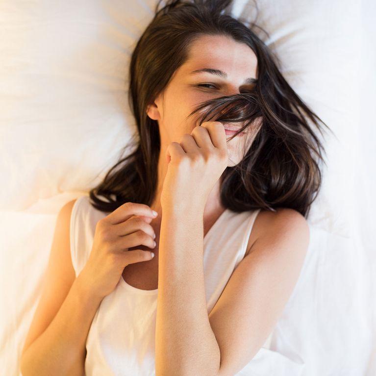Frisuren Zum Schlafen So Solltest Du Deine Haare Uber Nacht Tragen