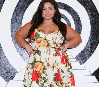 Plus-Size-Model stellt Nacktfoto nach und beweist: ALLE Körper sind schön!