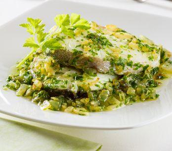 Merluza en salsa verde y otras 4 recetas para mojar pan