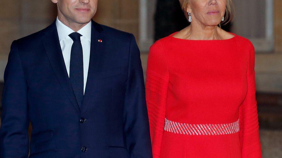 Brigitte Macron, sublime en longue robe rouge pour accueillir le couple présidentiel chinois