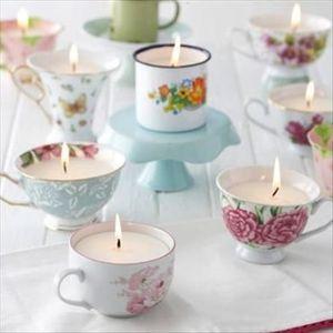 Bomboniere matrimonio vintage: candele nelle tazze