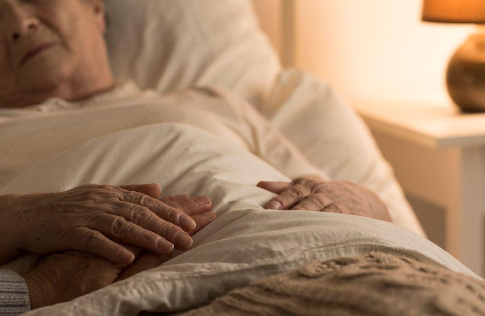 Déclarée morte, une femme de 90 ans revient miraculeusement à la vie